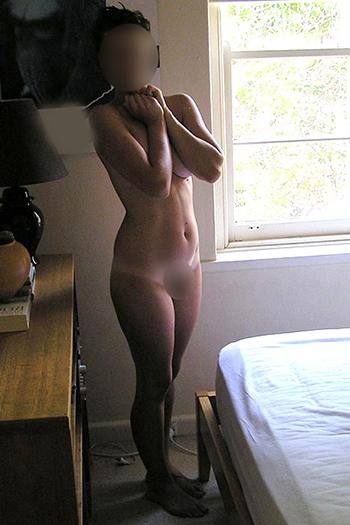 Sibylle - Modèle D'Escorte VIP à Berlin Natural Breasts Aime Les Massages Sexuels