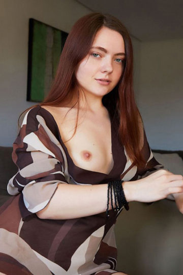Dietlinde experienced top escort model Berlin for sensual sidestep with hand relaxation