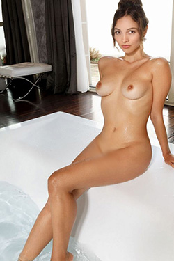 Elsa Traumfrau VIP Escort Lady in Berlin for escort service and traffic in the love hotel