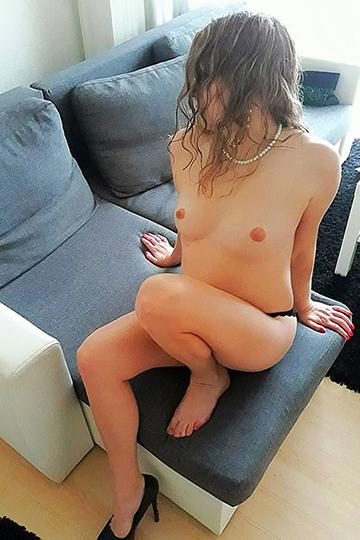 Carla – Zeigt sich gerne Nackt und will immer Sex haben