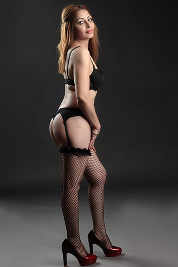 Darina – Noble Escort Whore In Berlin Also Offers Anal Sex