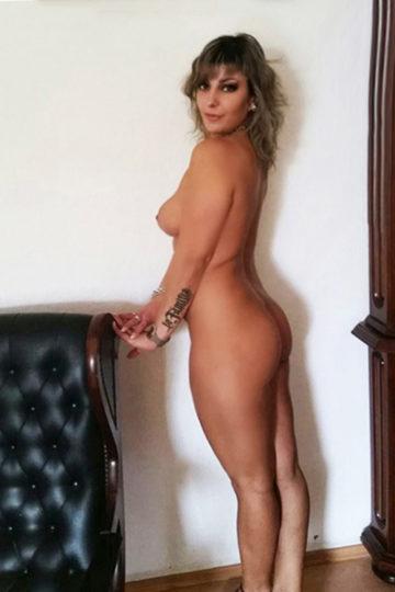 Escorte mature Linda Anal avec visite à domicile ou à l'hôtel à Berlin