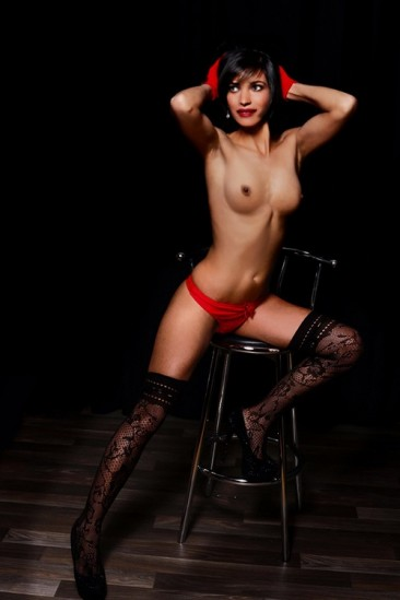 Hobby Hookers In Berlin As Escort Model Sahra Order