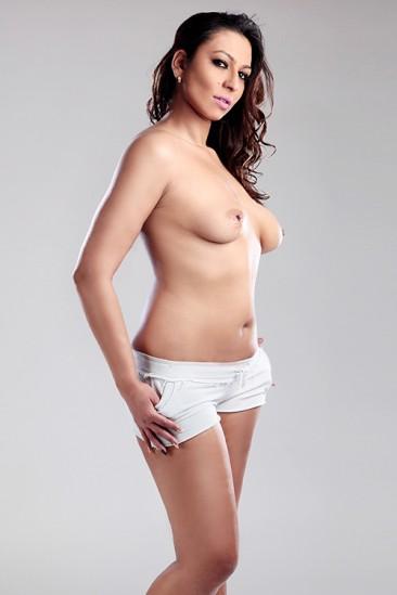 Jenifer – Top Escort Frau mit Natur Grossen Titten