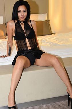 Johanna seductive escort love servant in Berlin for discreet travel partner with games with vibrator (passive)