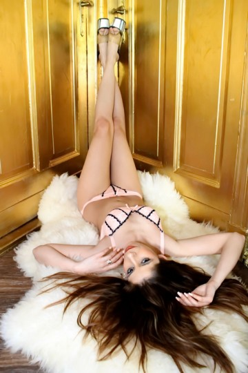 Krissy - Meets Every Sex Desire At Home Or At The Hotel