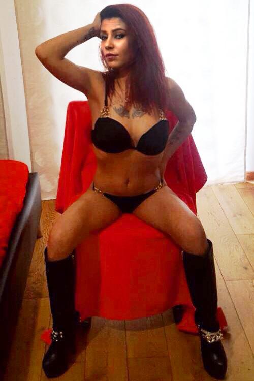 Sandra - Schlanke Callgirls in Berlin mit AV Sex Service