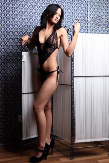 Simona – 19j. Teen Model mit langen Beinen
