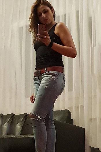 Sissi - Single Escort Girl in Berlin sucht einen Mann