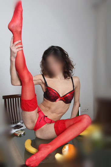 Top Escort Model Tedy offre le sexe à Berlin